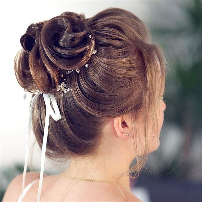 Stunning Bridesmaid Hairstyles Make You Look Beautiful 04