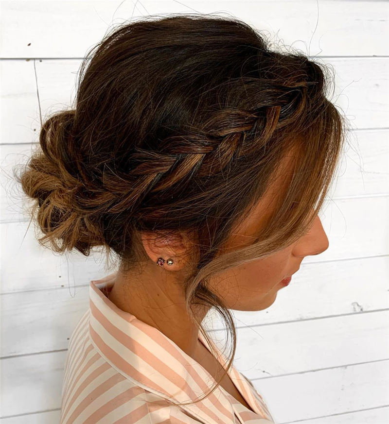 Stunning Bridesmaid Hairstyles Make You Look Beautiful 05