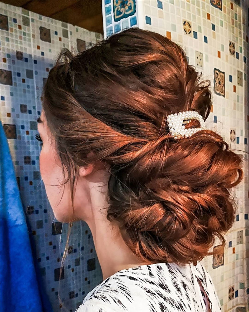 Stunning Bridesmaid Hairstyles Make You Look Beautiful 08