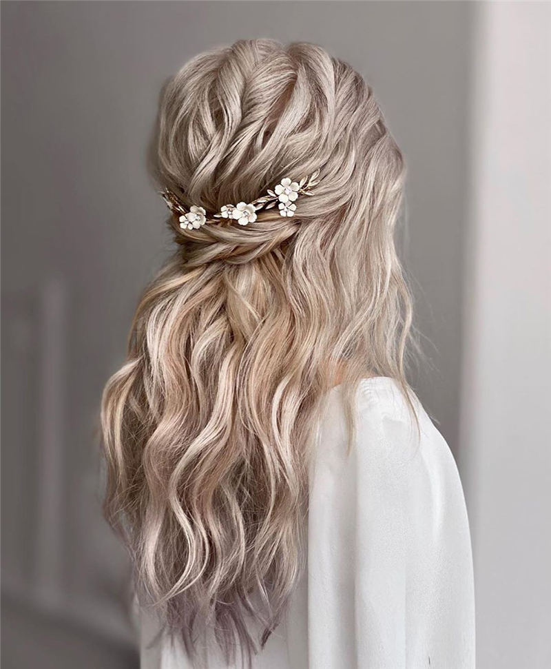 Stunning Bridesmaid Hairstyles Make You Look Beautiful 11