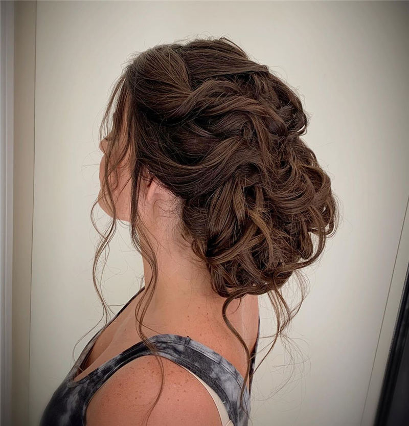 Stunning Bridesmaid Hairstyles Make You Look Beautiful 14