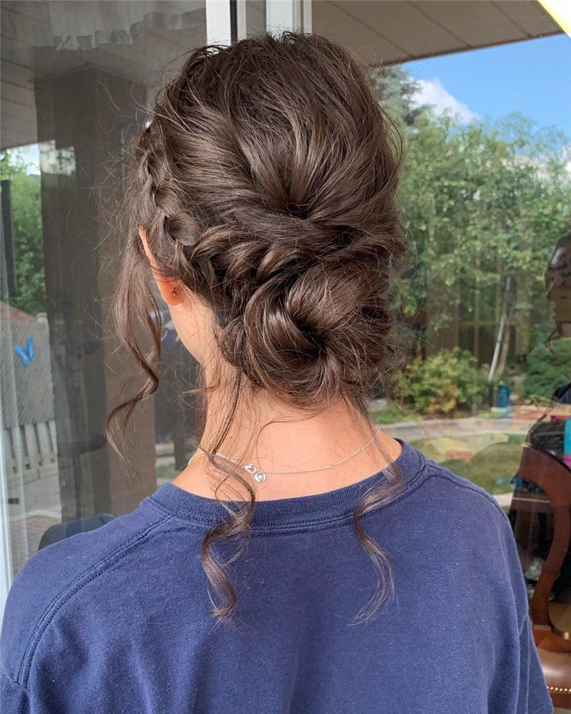 Stunning Bridesmaid Hairstyles Make You Look Beautiful 19