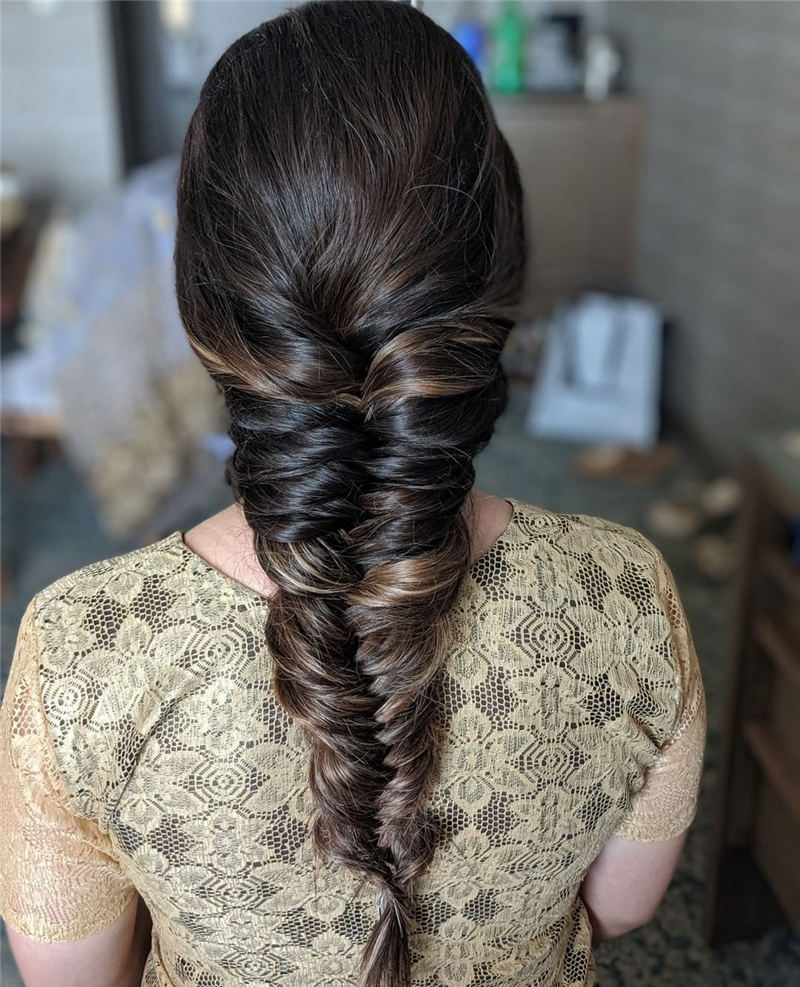 Stunning Bridesmaid Hairstyles Make You Look Beautiful 21