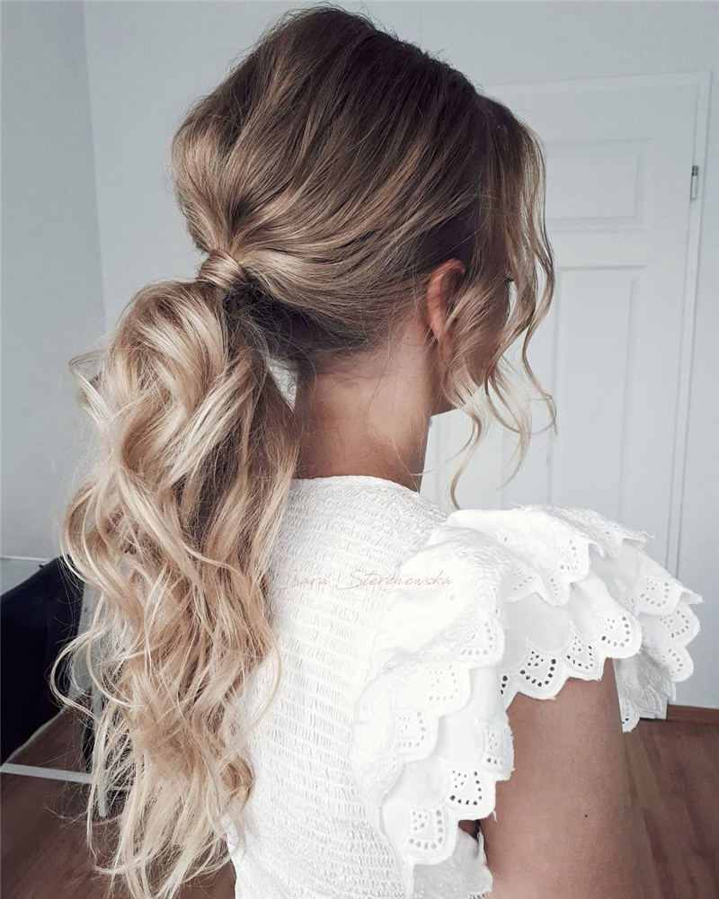 Stunning Bridesmaid Hairstyles Make You Look Beautiful 30