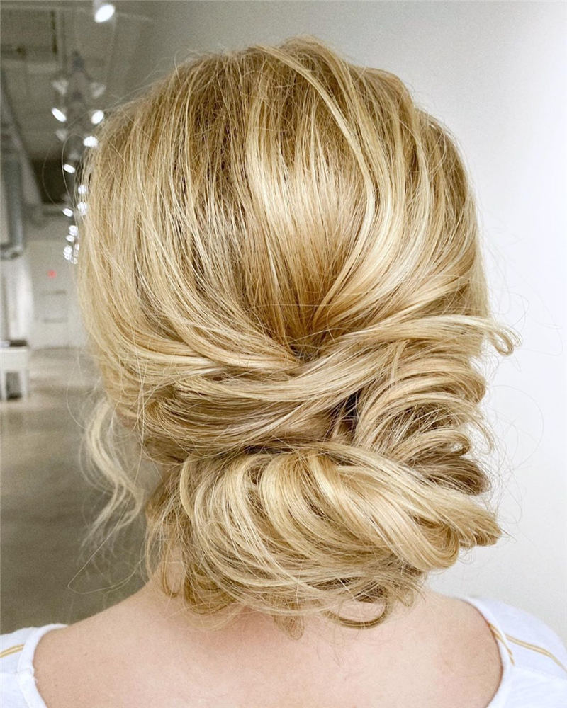Stunning Bridesmaid Hairstyles Make You Look Beautiful 32