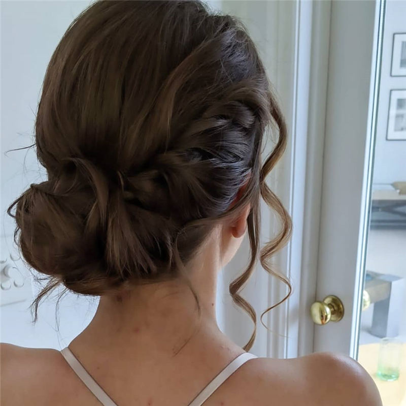 Stunning Bridesmaid Hairstyles Make You Look Beautiful 47
