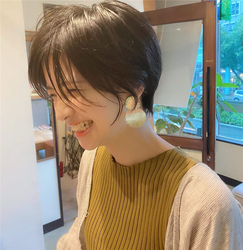 Trendy Asian Hairstyles with Bangs for 2020 10