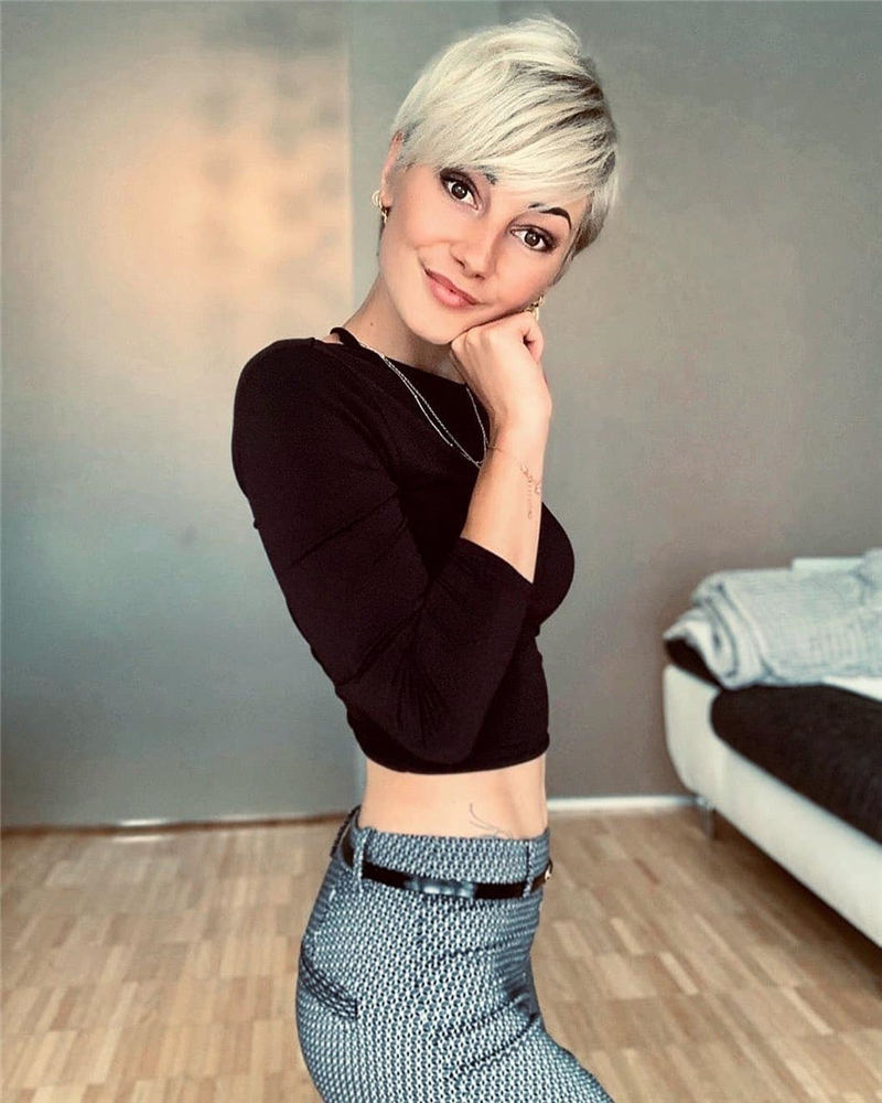 Amazing Easy Pixie Haircuts for Round Faces 12
