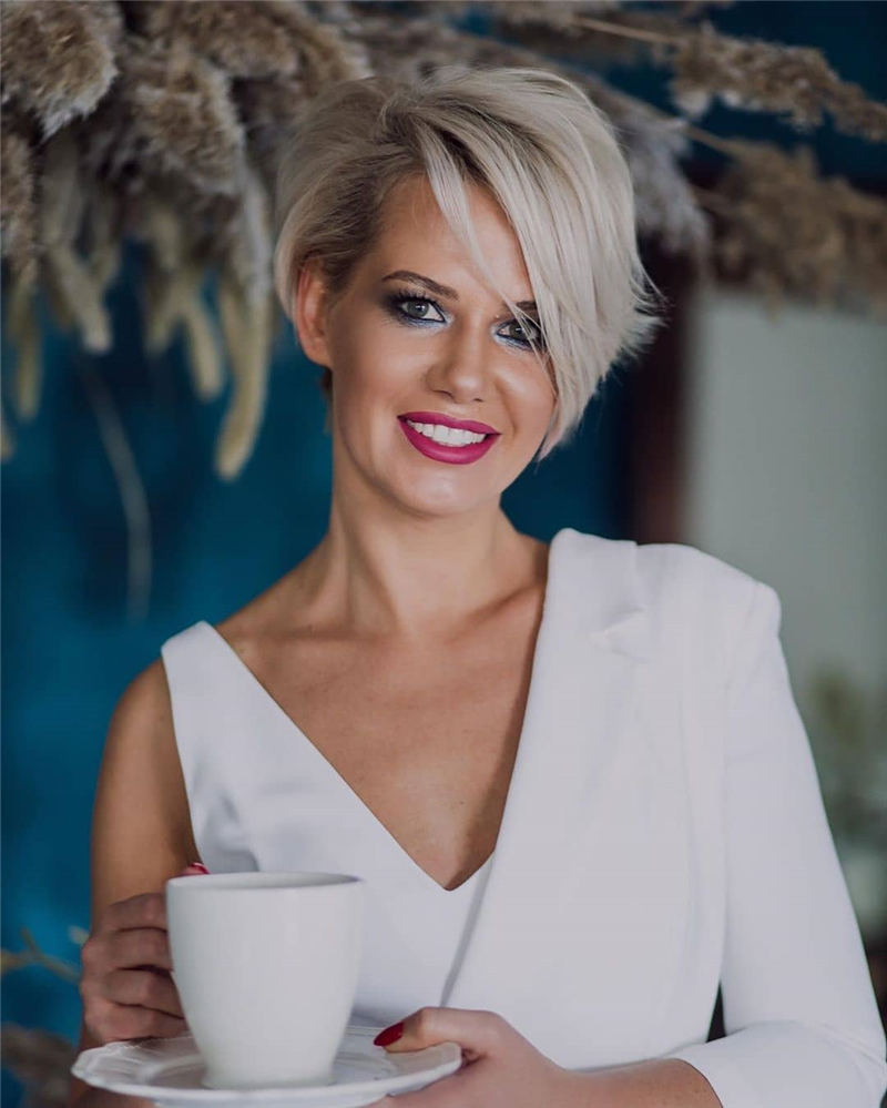 Amazing Easy Pixie Haircuts for Round Faces 23