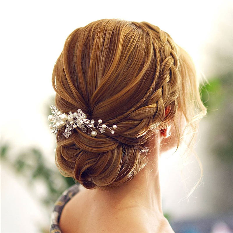 Beautiful Updos for Medium Length Hair 2020 24
