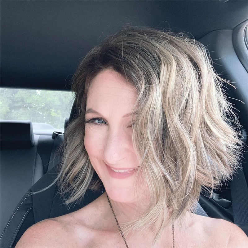 Best Hairstyles and Haircuts for Women Over 40 35