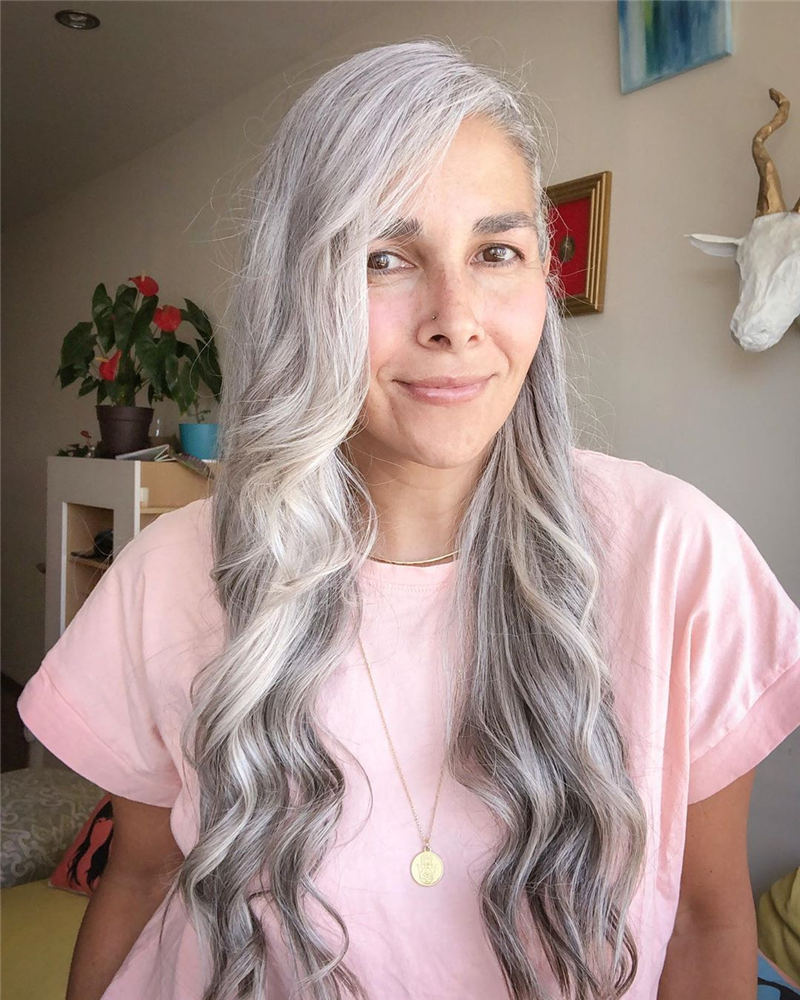 Best Hairstyles and Haircuts for Women Over 40 47