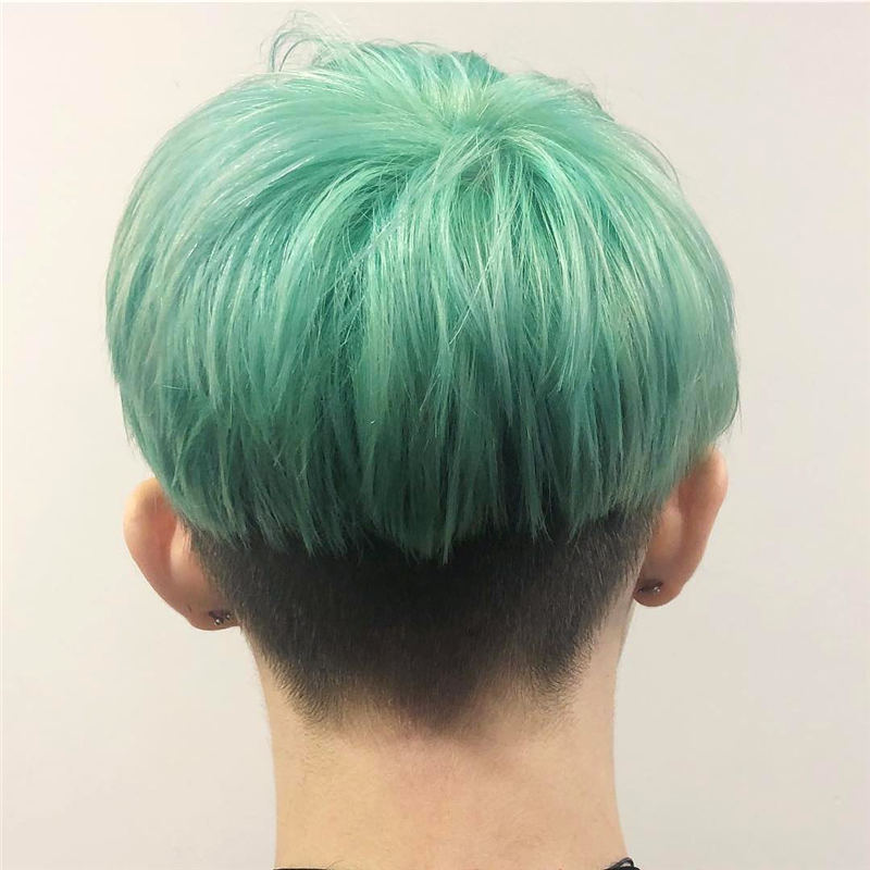 Coolest Trendy Hair Color for Short Hair 27