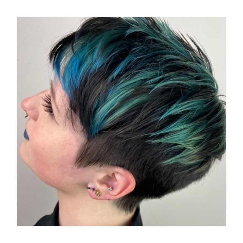 Coolest Trendy Hair Color for Short Hair 29