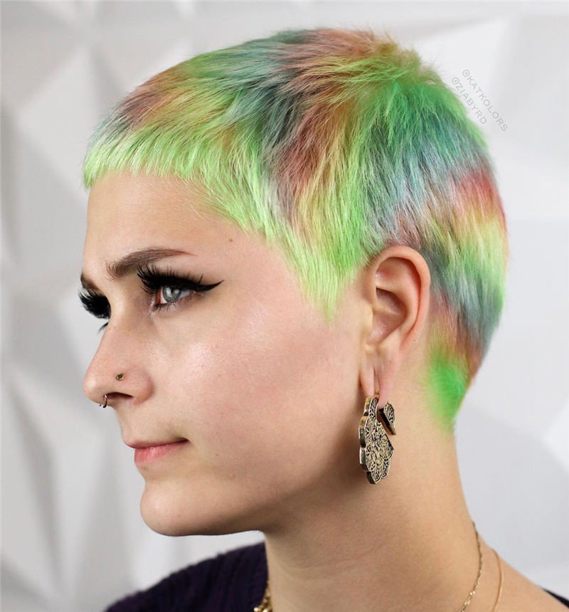 Coolest Trendy Hair Color for Short Hair 44