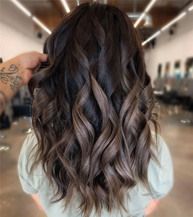 Perfect Medium Hairstyles for Thin Hair That Makes You Pretty 02