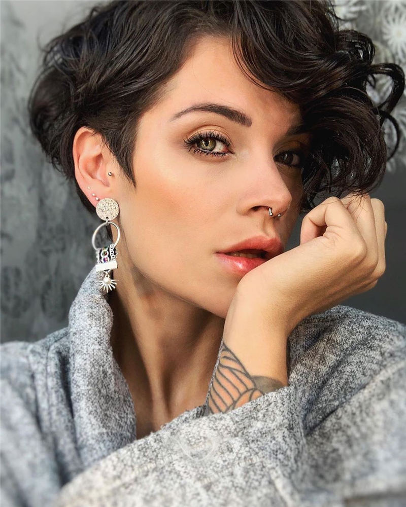 Short Hairstyles for Round Faces You Should Try 01