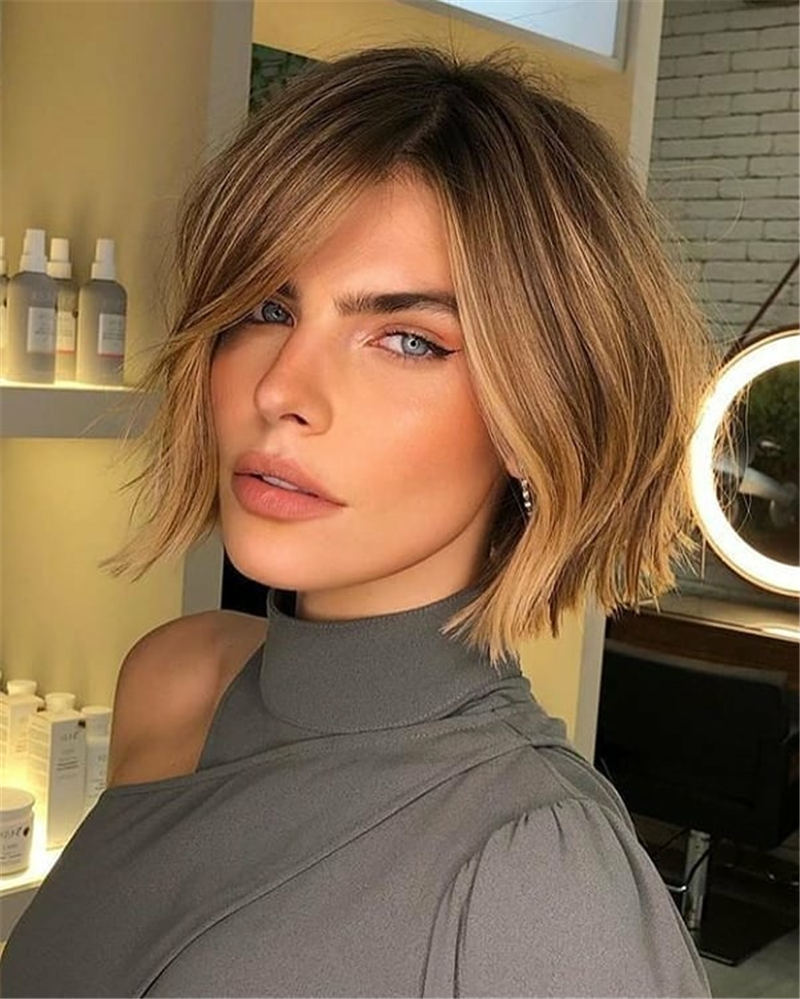 Short Hairstyles for Round Faces You Should Try 32