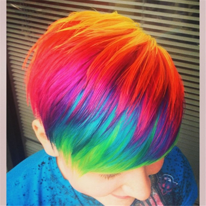 Trendy Colored Pixie Haircut for Short Hair 27