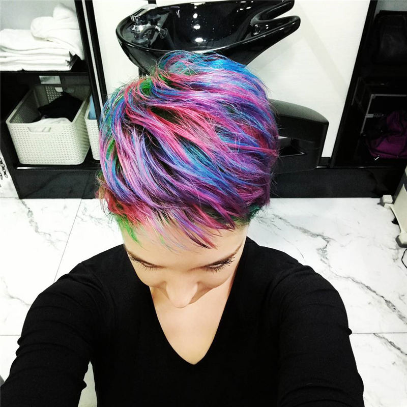 Trendy Colored Pixie Haircut for Short Hair 28