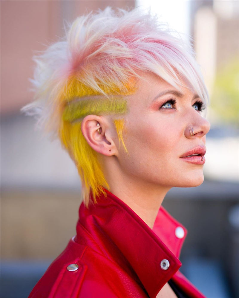 Trendy Colored Pixie Haircut for Short Hair 36