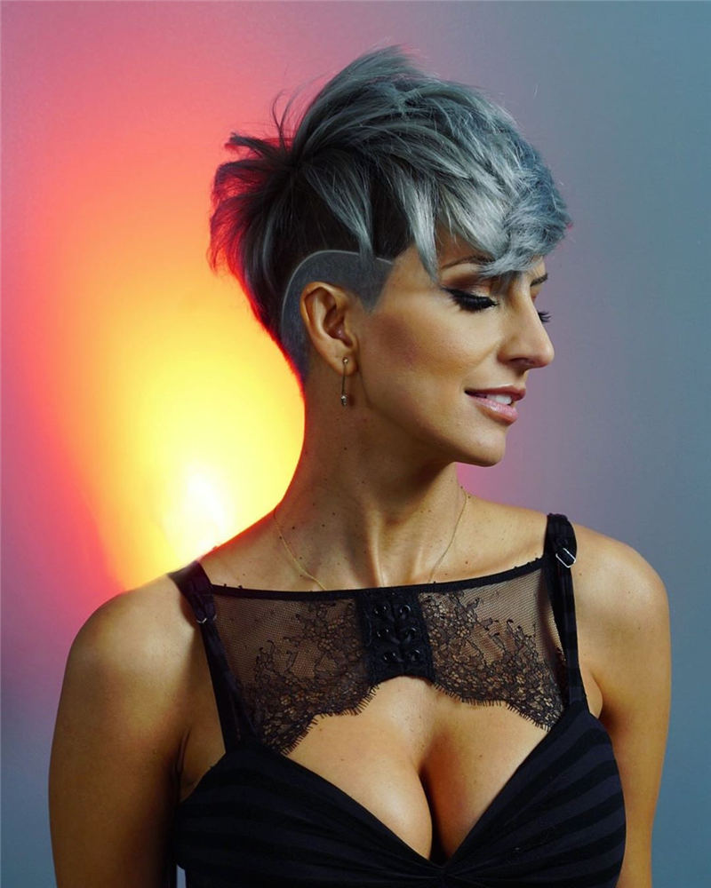 Trendy Colored Pixie Haircut for Short Hair 39