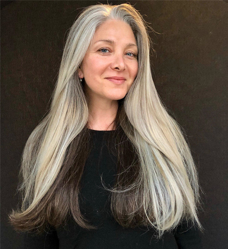Trendy and Youthful Hairstyles and Haircuts for Women Over 50 21