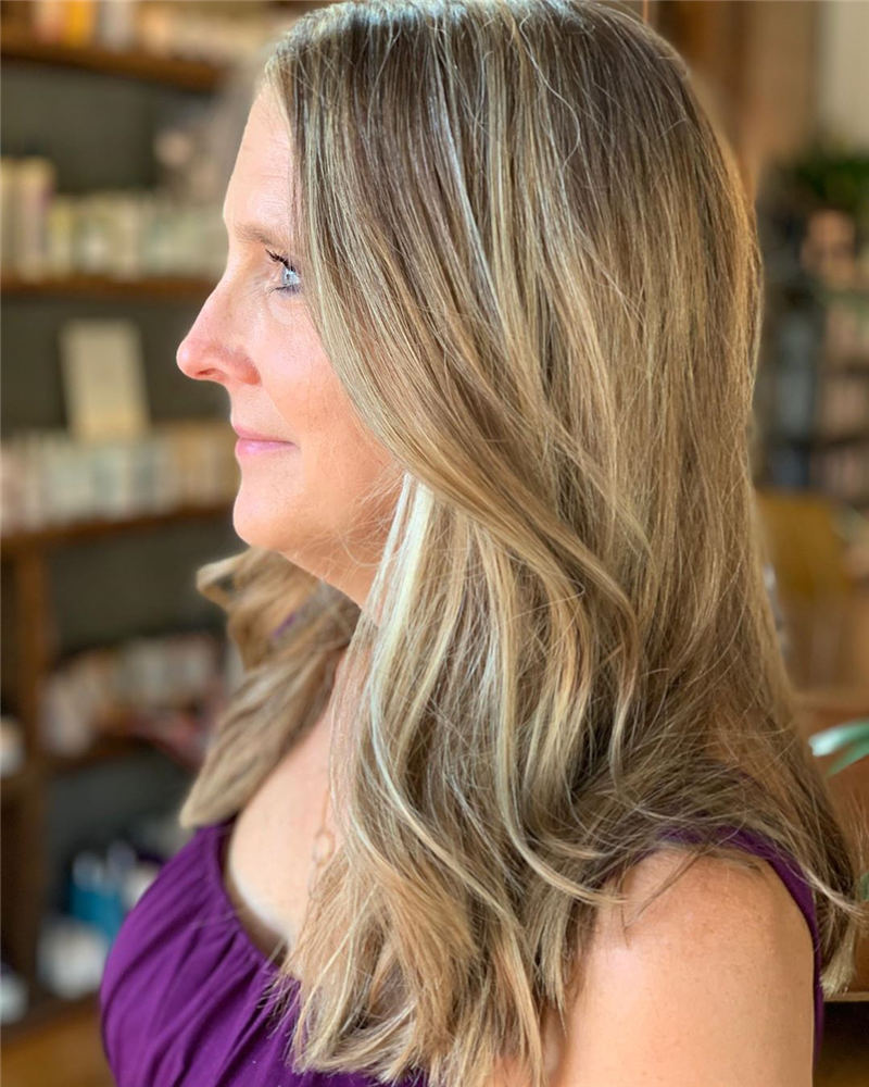 Trendy and Youthful Hairstyles and Haircuts for Women Over 50 34