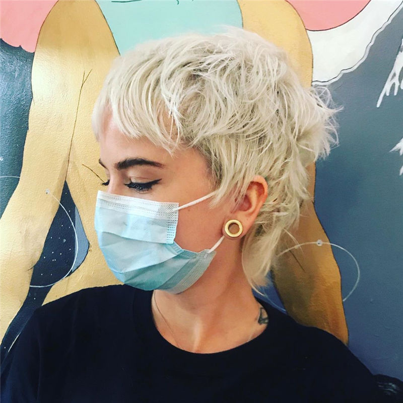 Coolest Short Shag Hairstyles That You Need to Try 05