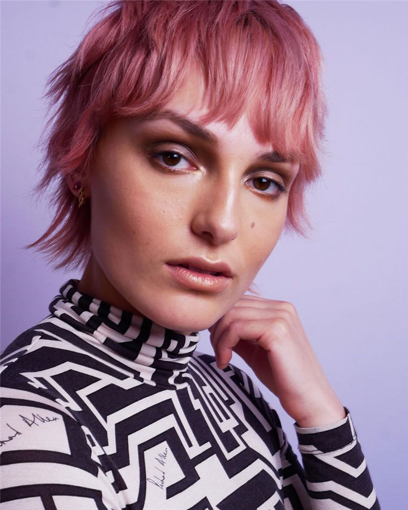 Coolest Short Shag Hairstyles That You Need to Try 12