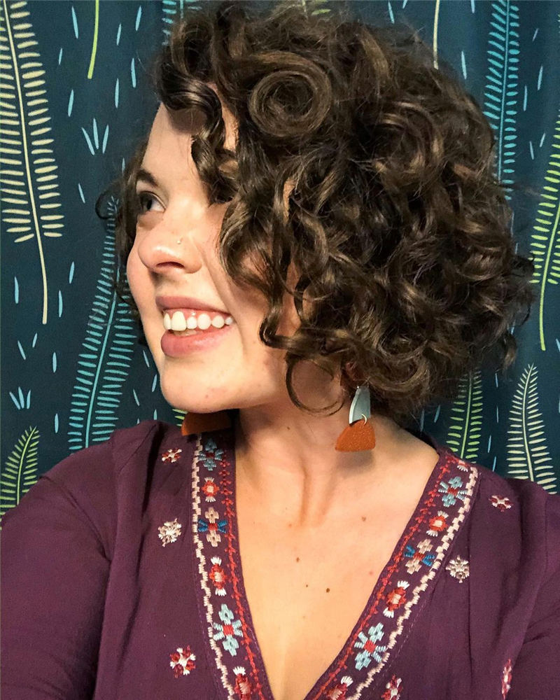 Best Curly Bob Hairstyles To Inspire You 20