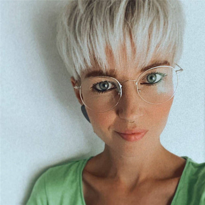 Best Pixie Haircuts for Older Ladies 31