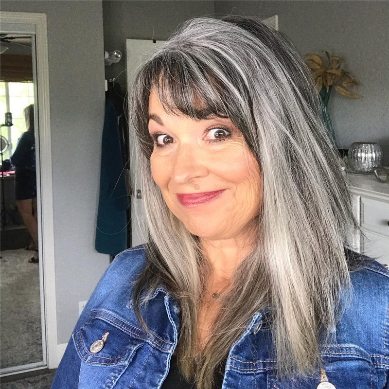 Best Hairstyles for Women Over 50 to Look Younger in 2021 17