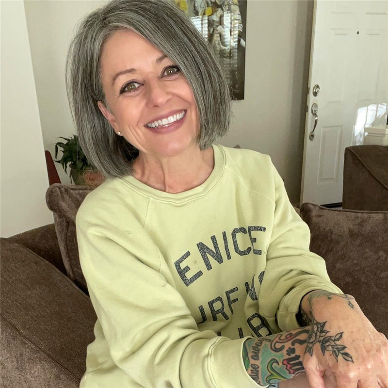 Best Hairstyles for Women Over 50 to Look Younger in 2021 38