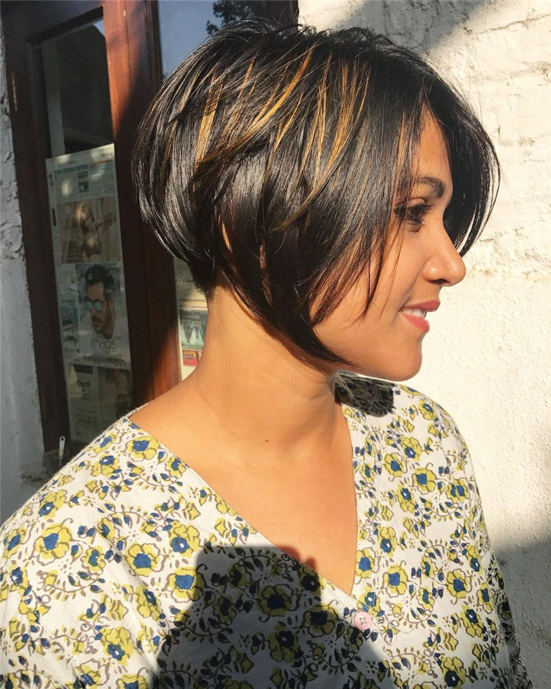 High Inverted Bob with Highlight