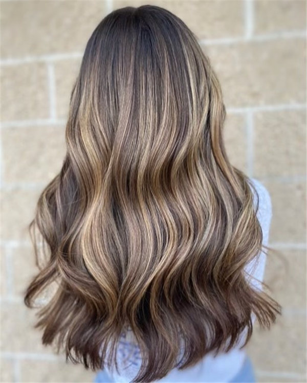 Hottest Medium Length Layered Haircuts and Hairstyles 2021 22