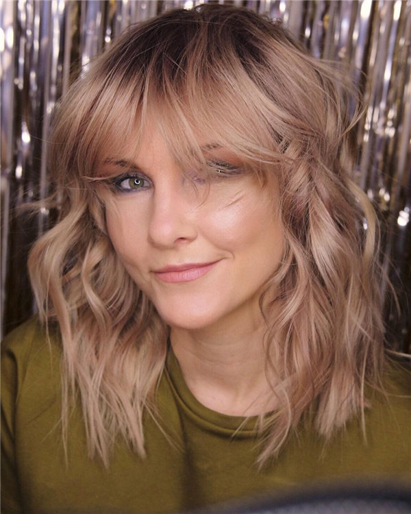 Hottest Medium Length Layered Haircuts and Hairstyles 2021 57