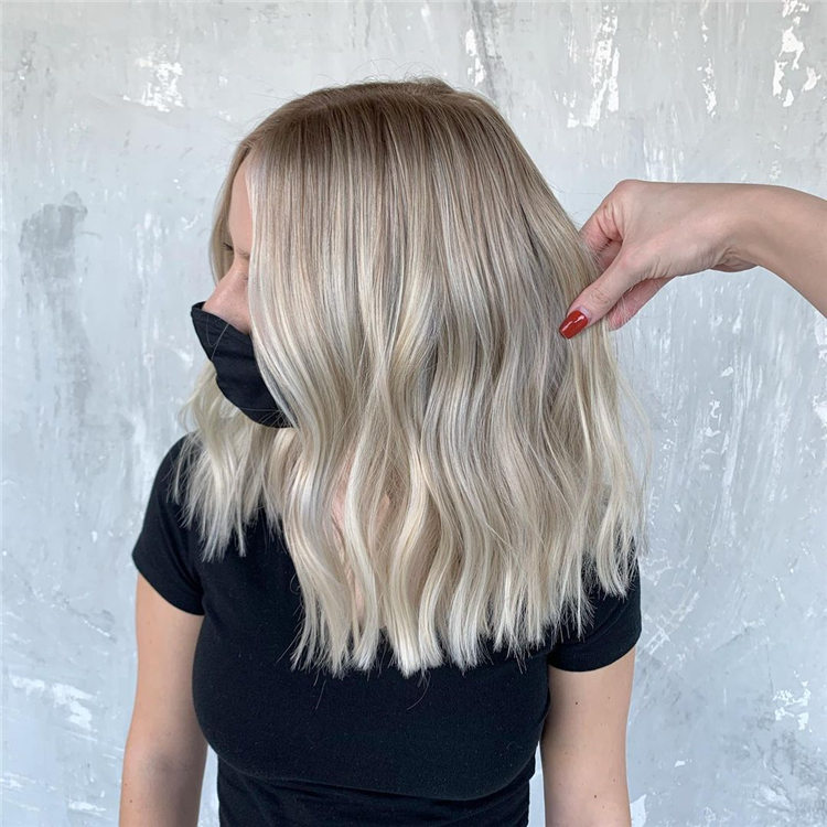 Fresh Short Blonde Hairstyles and Haircuts That Makes You Pretty 15