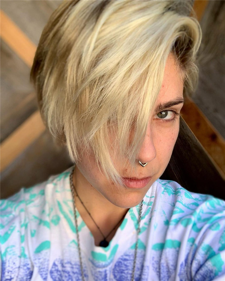 Fresh Short Blonde Hairstyles and Haircuts That Makes You Pretty 23