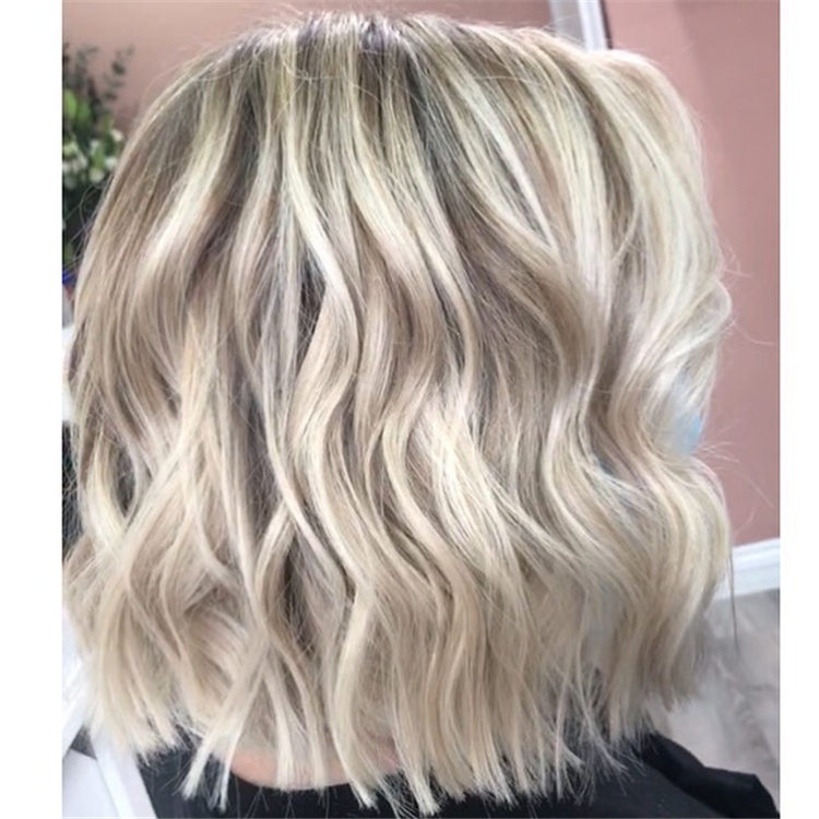 Fresh Short Blonde Hairstyles and Haircuts That Makes You Pretty 26