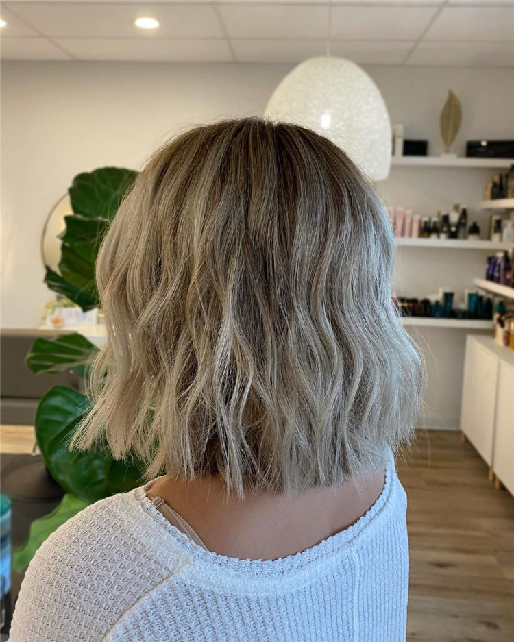 Low Maintenance Short Hairstyles That Will Give Your Spirals New Life 28