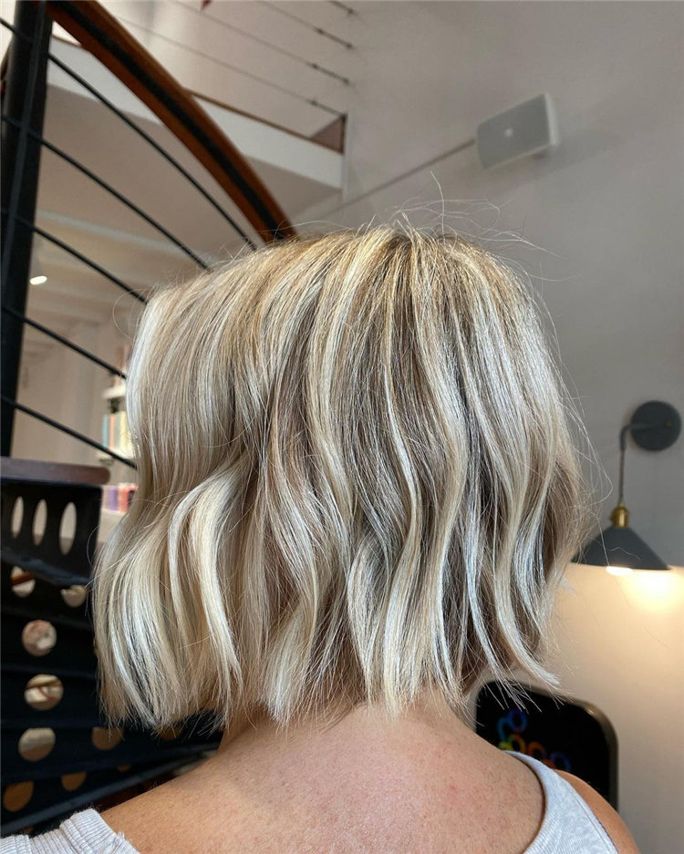 Low Maintenance Short Hairstyles That Will Give Your Spirals New Life 30