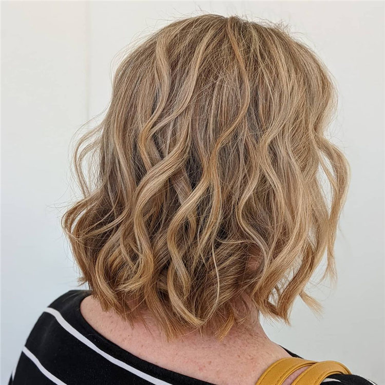 Low Maintenance Short Hairstyles That Will Give Your Spirals New Life 32
