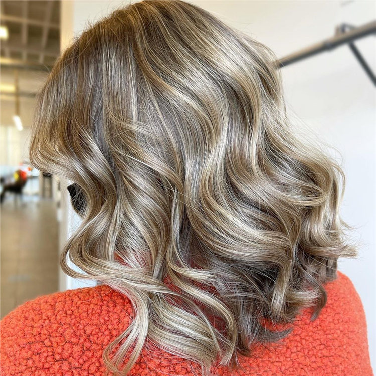 Low Maintenance Short Hairstyles That Will Give Your Spirals New Life 40