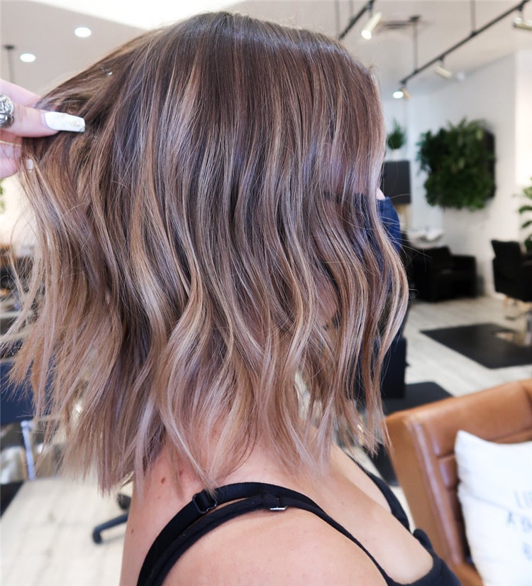 Short Brown Hair with Highlights to Look Gorgeous 06
