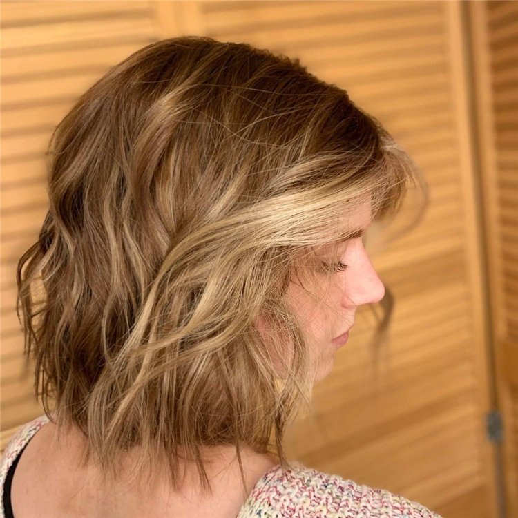 Short Brown Hair with Highlights to Look Gorgeous 12