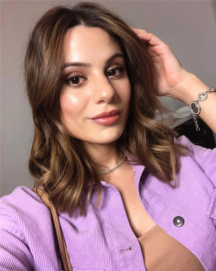 Short Brown Hair with Highlights to Look Gorgeous 14