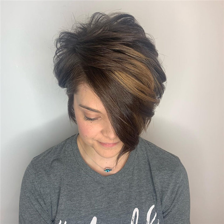 Short Brown Hair with Highlights to Look Gorgeous 16