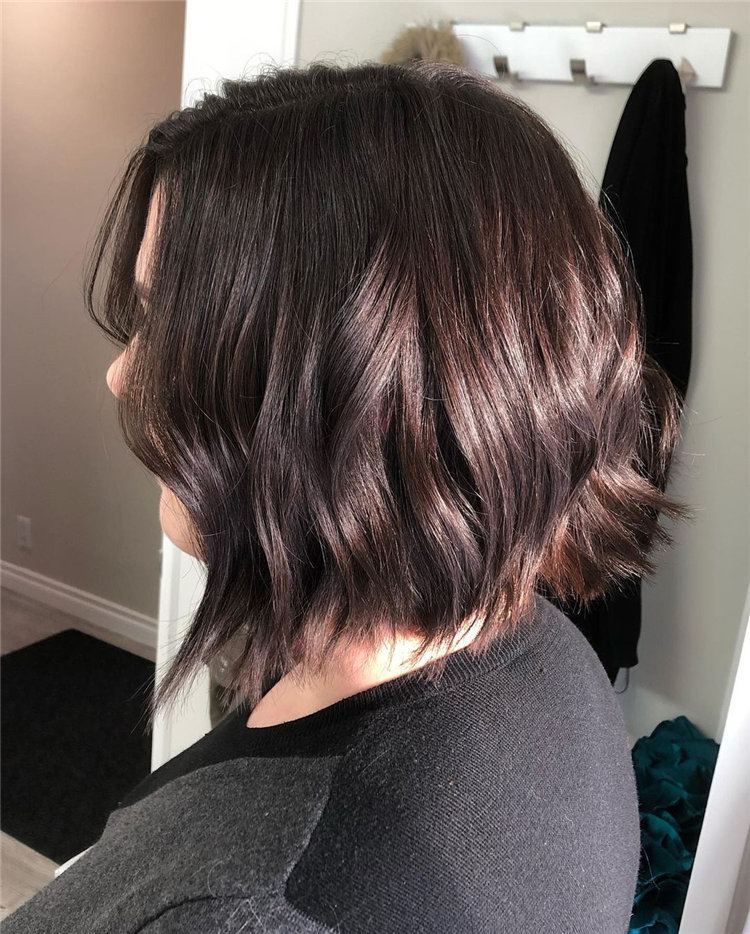 Short Brown Hair with Highlights to Look Gorgeous 17