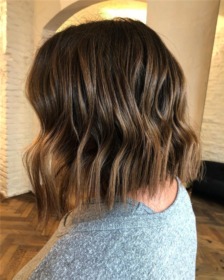 Short Brown Hair with Highlights to Look Gorgeous 19